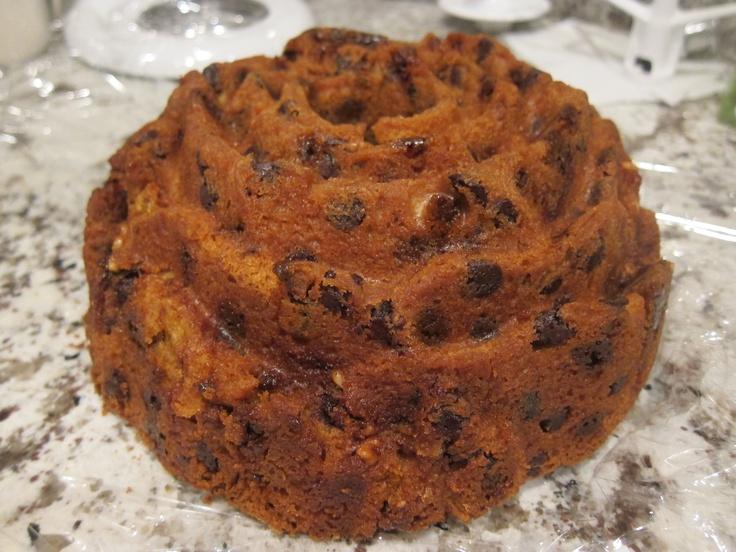 Sour Cream Chocolate Chip Coffee Cake | Stuff I've Made | Pinterest