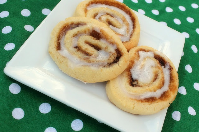 cinnamon roll cookies: roll out your favorite sugar cookie recipe ...