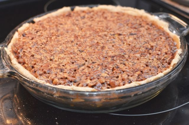 Chocolate spiked pecan pie | Keto LCHF recipes | Pinterest