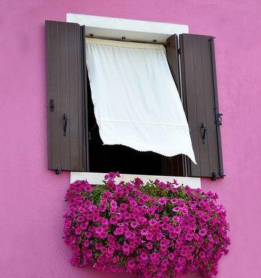 rózsaszín ház