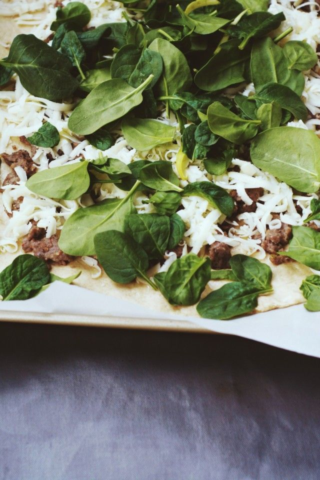 Spinach & Sausage Stromboli @cupcakeMAG | {{Food | Meat}} | Pinterest