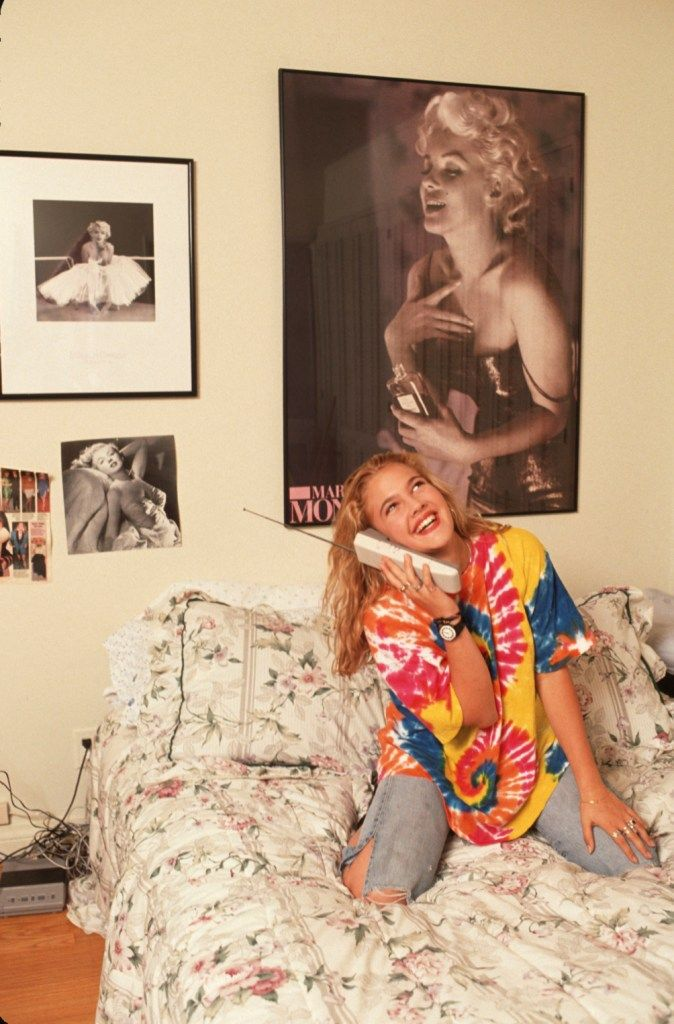 Drew barrymore 90 s cool celeb pictures pinterest for Living room 90s