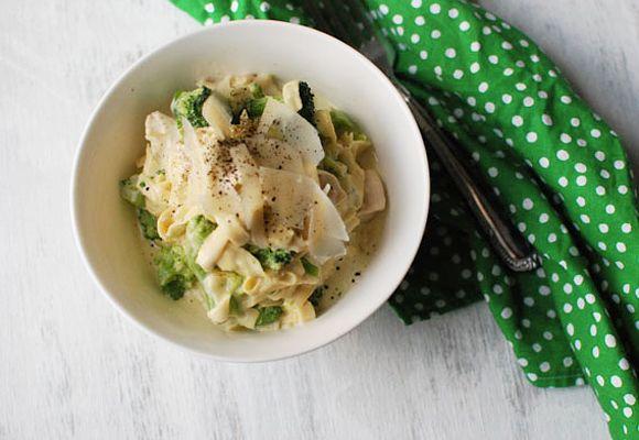 Slow Cooker Chicken Fettuccine Alfredo - Tablespoon