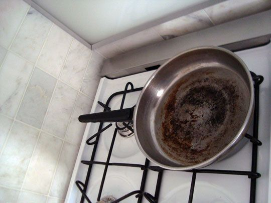 how to clean tough burnt stains off stainless cookware. Black Bedroom Furniture Sets. Home Design Ideas
