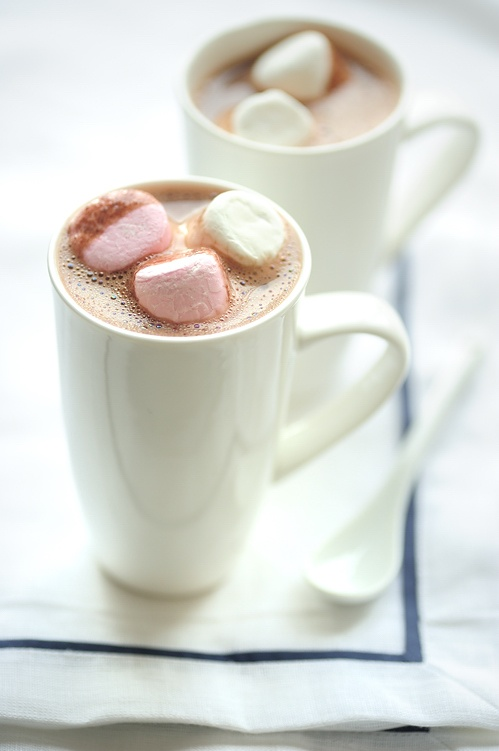 Hot Chocolate with Marshmallows | HOT CHOCOLATE, PLEASE!!! | Pinterest