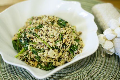 Cheesy Quinoa with Spinach and Pine Nuts- one of my favorite easy side ...