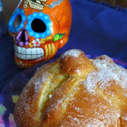 Day of the Dead Bread | Pan de Muerto | Dia De Los Muertos | Pinterest