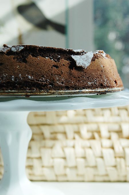 Flourless Chocolate Cake: perfect for Valentine's Day, just a few ...