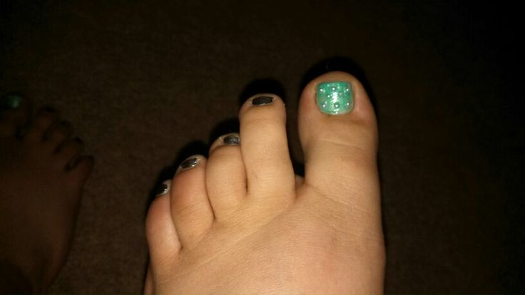 toe nail art for valentine's day