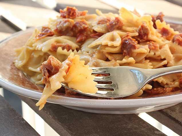 Farfalle with Gorgonzola Sun-Dried Tomato Sauce | Recipe