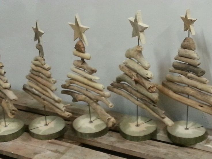 tannenb ume aus treibholz f r den weihnachtsmarkt christmas decorations using nature pinterest. Black Bedroom Furniture Sets. Home Design Ideas