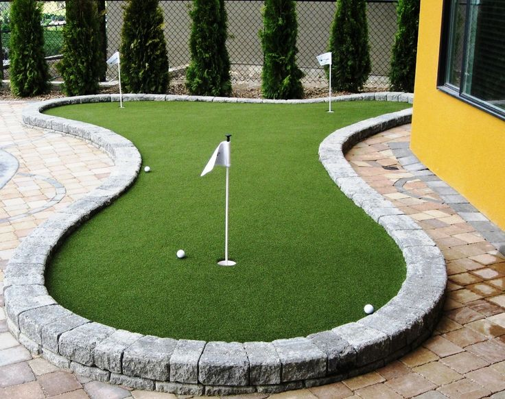 practice your putting skills with backyard synlawn putting green in
