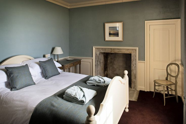Oval room blue farrow and ball bedroom inspiration for Bedroom inspiration farrow and ball