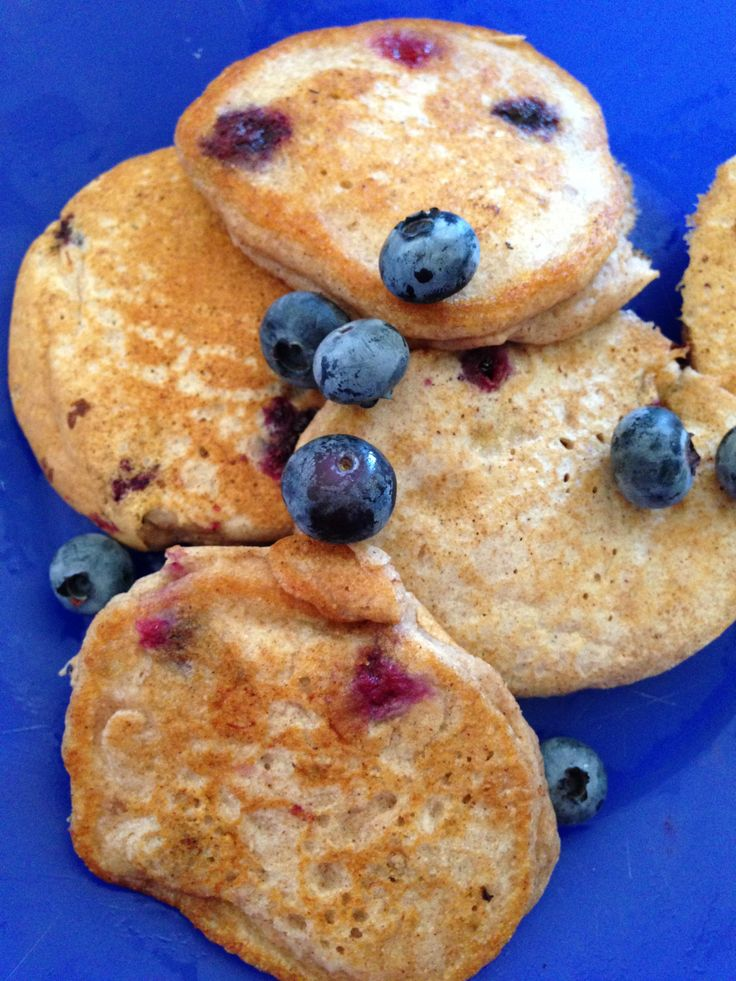 Whole wheat blueberry pancakes: A pancake with no refined sugar! 1 1/4 ...