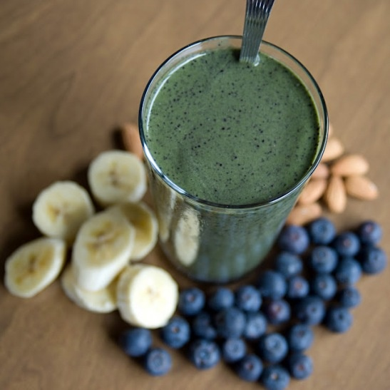 Spinach Blueberry Almond Butter Smoothie | Healthy way to go | Pinter ...