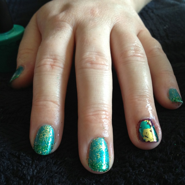 Sea foam inspired Shellac nails with a touch of foil by Glamoholic.ca