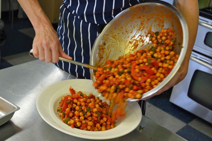 ... 1024x682 Moroccan Chickpeas with Roasted Peppers, Parsley & Mint