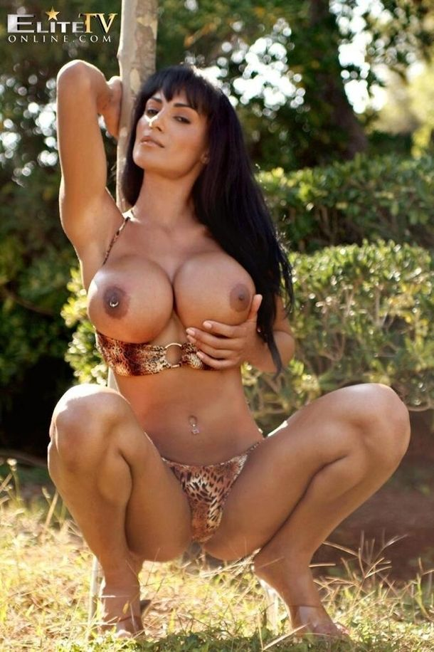 40 best images about milf on Pinterest | Sexy, Sexy curves ...