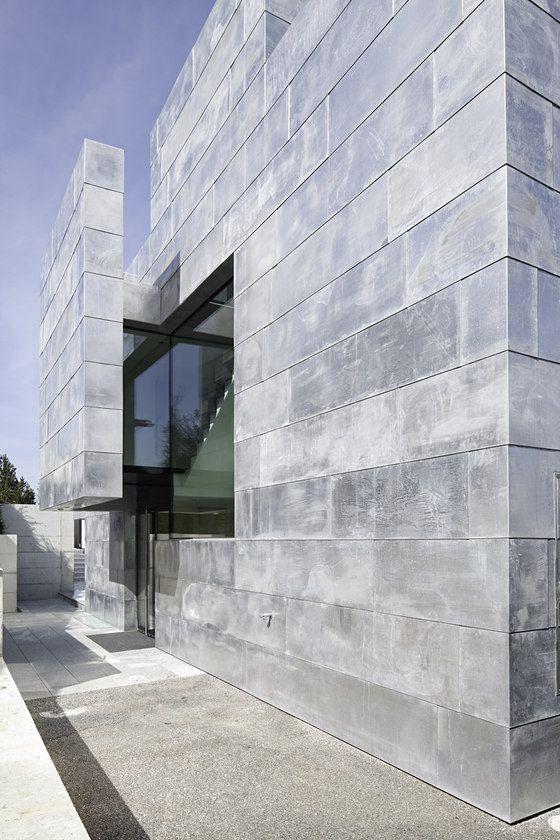 Two Single-Family Residences by ARNDT Geiger Herrmann