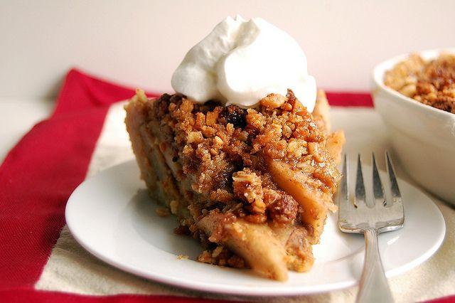 layered-amaretti-apple-pumpkin-pie | Baked Delights | Pinterest