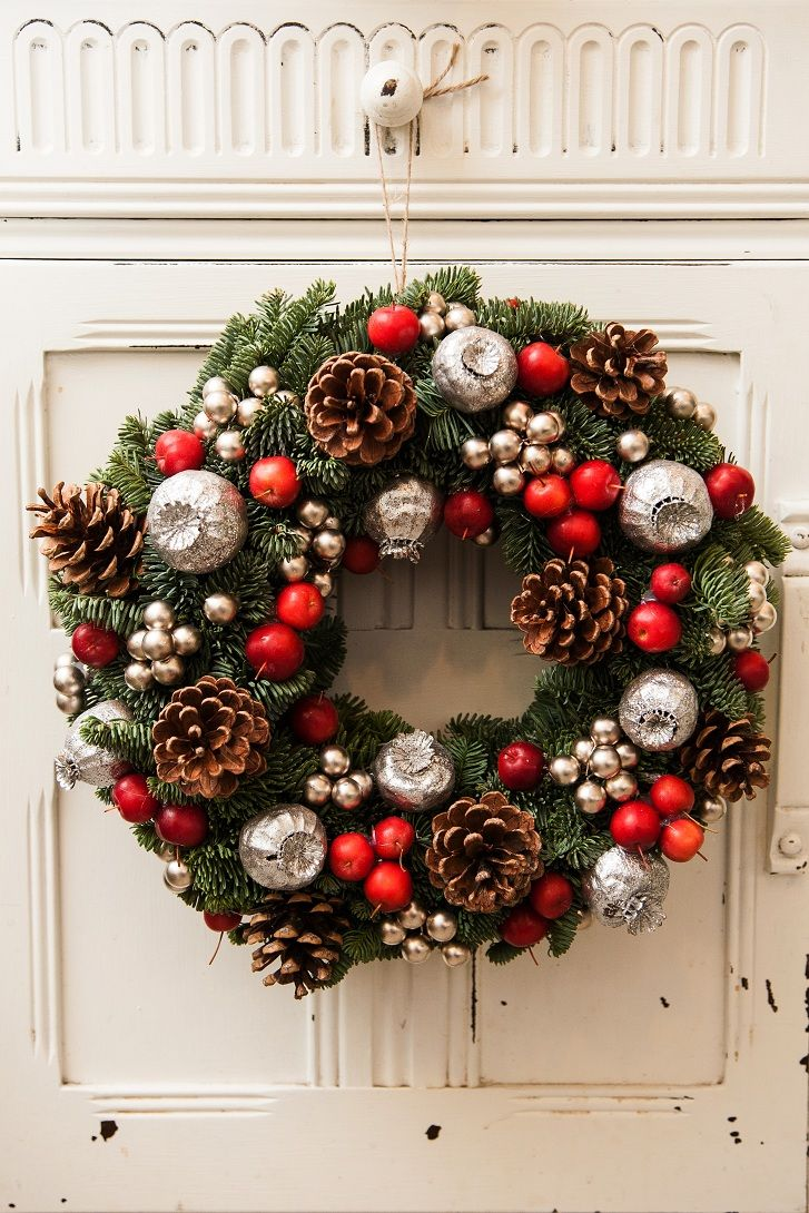 Christmas door wreath christmas pinterest for Door garland christmas