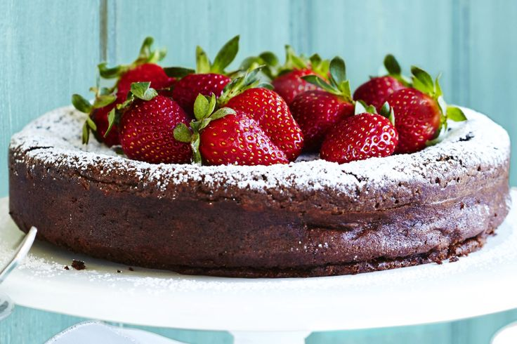 ... +your+friends+&+family+with+this+delicious+flourless+chocolate+cake