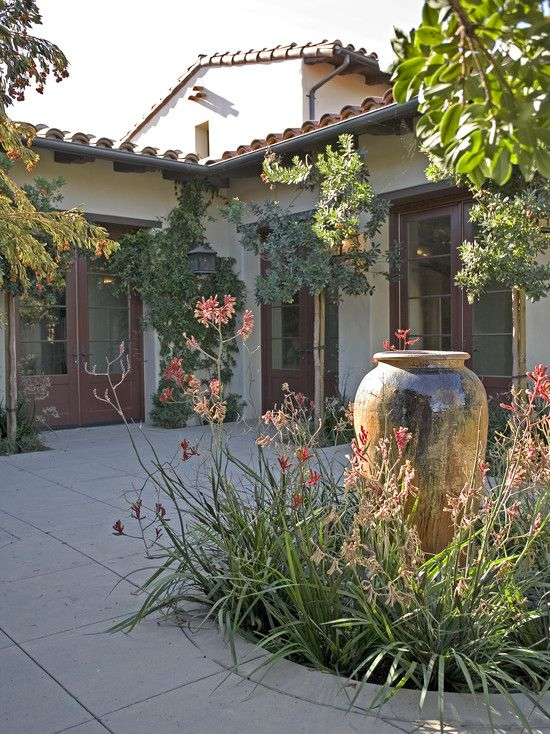 Pin by diana klaassen dauner on courtyard ideas pinterest for Spanish garden designs