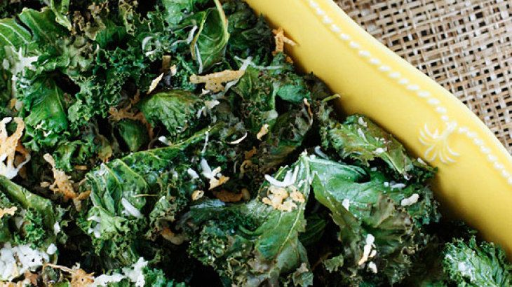 Baked Parmesan Kale Chips -- Skinnytaste | Sides & Snacks - Things I ...