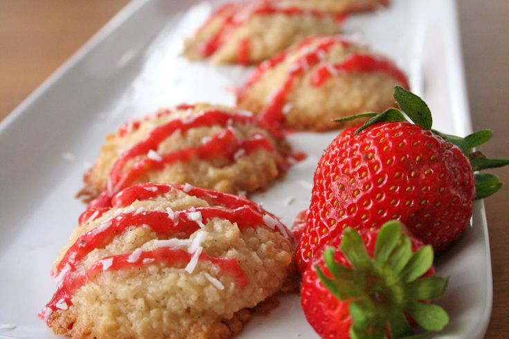 Coconut Strawberry Macaroons by @James Barnes Hunt #AIPaleo