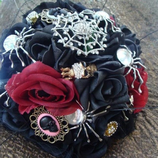 Halloween Wedding Bouquets: Halloween Wedding Bling Broach Bouquet