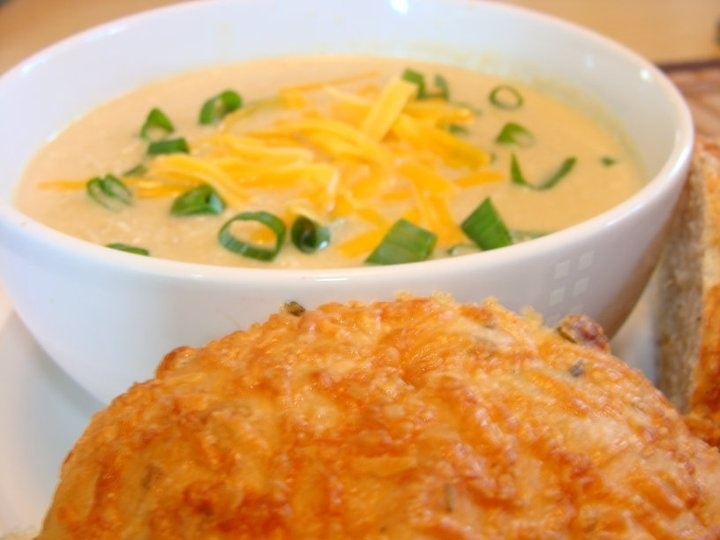 Cauliflower and Beer Cheese Soup | food! | Pinterest