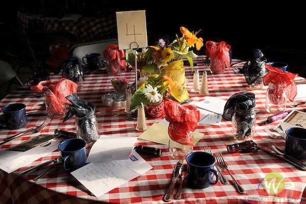 <b>hoedown</b> decorating ideas | <b>Table</b> <b>setting</b> for country <b>hoedown</b> in barn ...