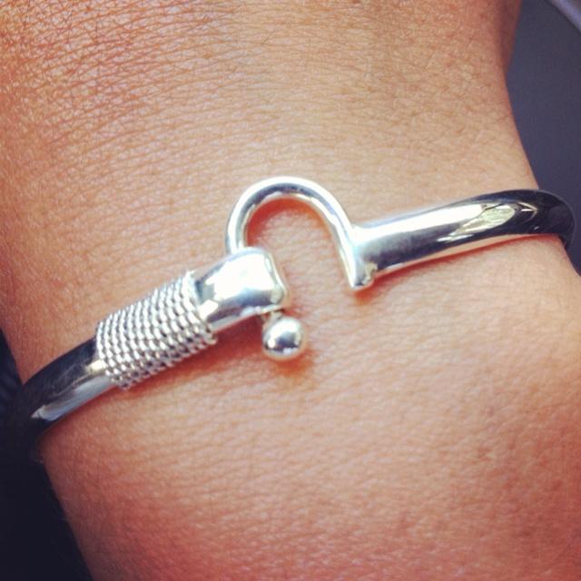 Hook up bracelet