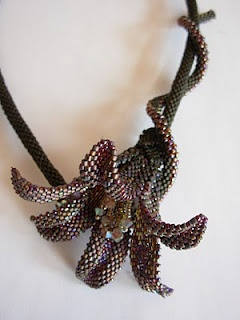 Sunrice lily . sofiescreaties.blogspot.com