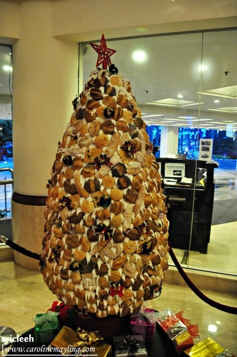 Christmas Tree entirely made of bread! | Bread & SOUP | Pinterest