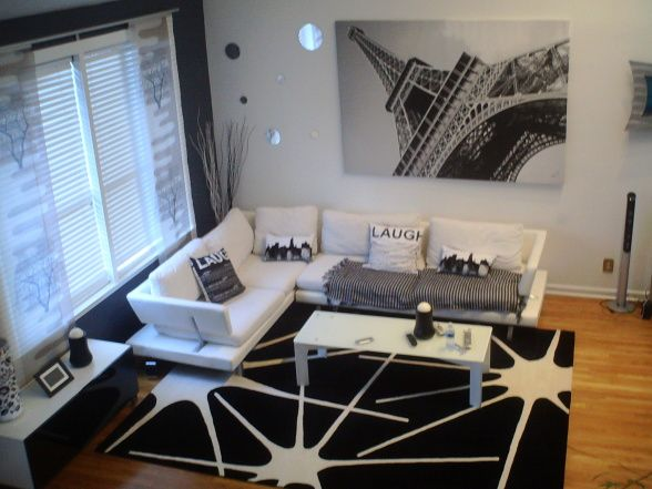 "Black and White Living Room from DIY user ""Crussell24"" >> http://diy.roomzaar.com/rate-my-space/Living-Rooms/Black-and-White-Living-room/detail.esi?oid=22786844=pinterest#"