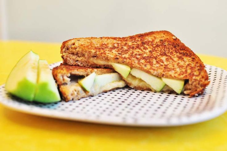 Apple & Gruyere Grilled Cheese...easy and delish!