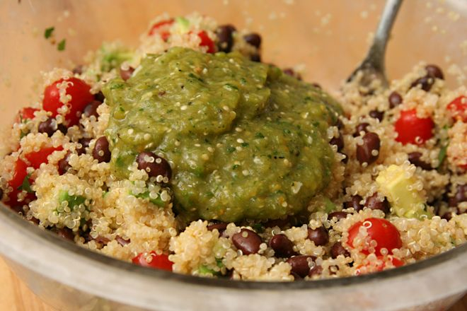 Black Bean Quinoa Salad with Tomatillo Salsa. I've been wanting to ...