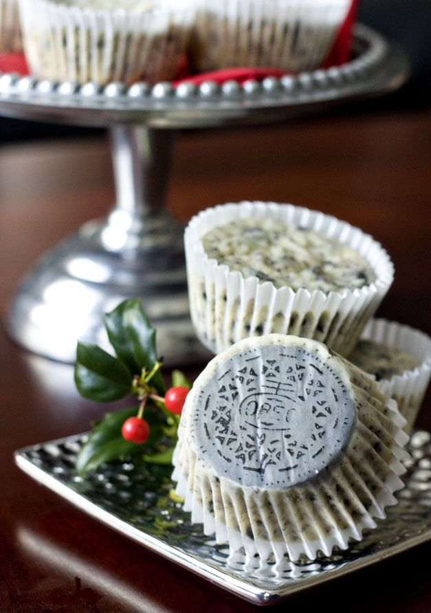 Mini Cookies 'n Cream Cheesecakes - with a whole Oreo baked into the ...