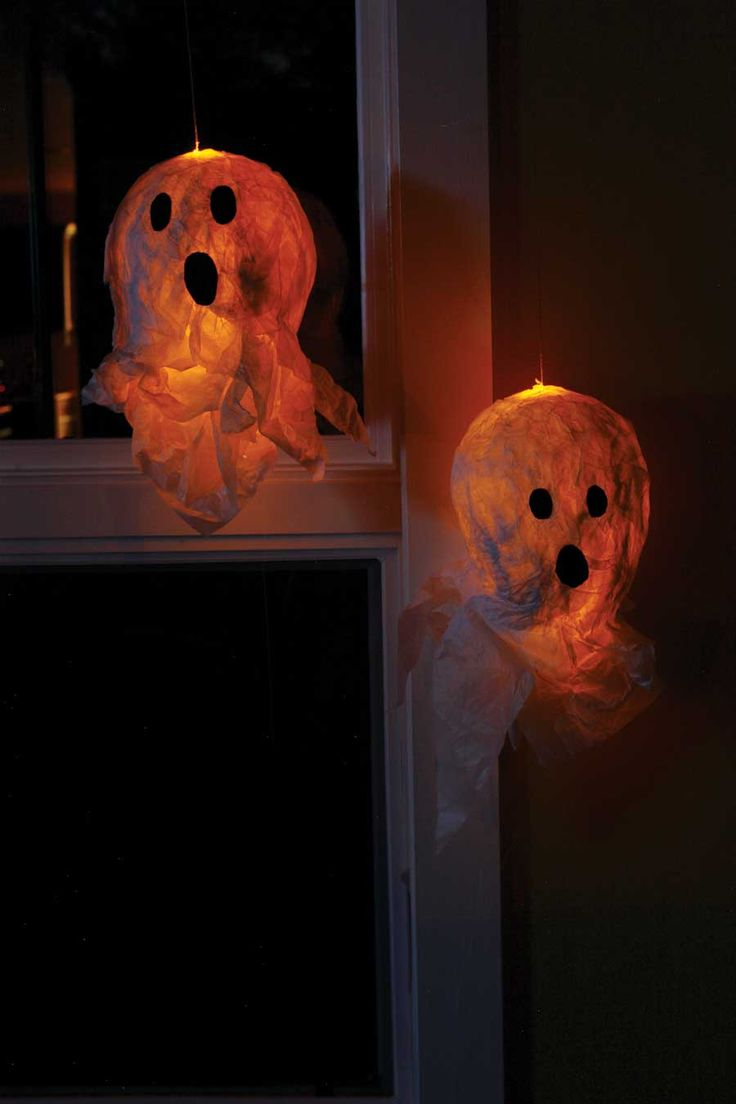 halloween lanterns with milk bottles