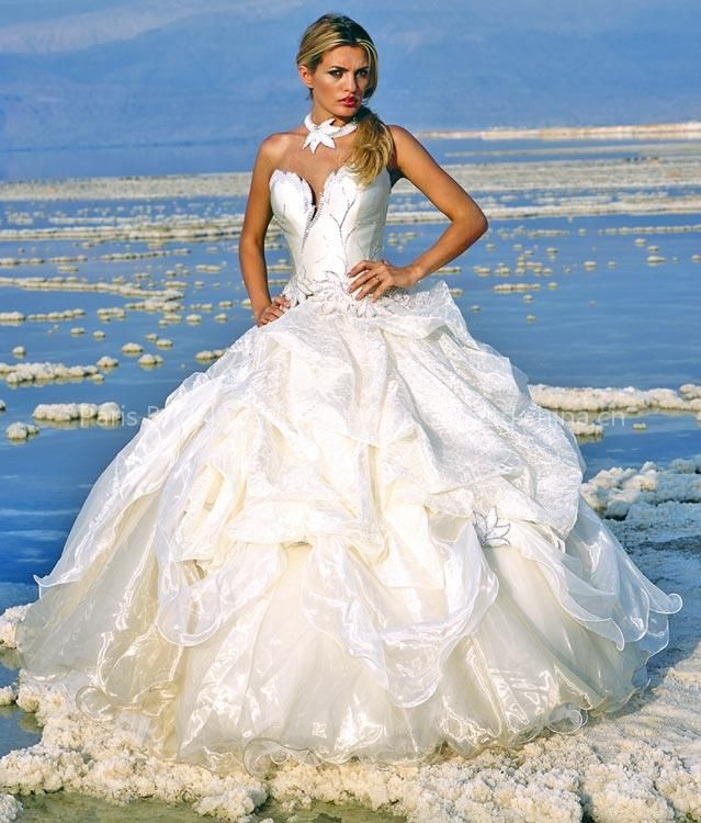 Gypsy wedding dress big fat gypsy wedding pinterest for Very puffy wedding dresses