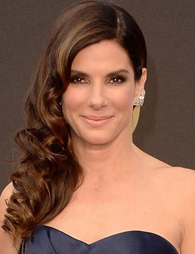 Sandra Bullock wears L...