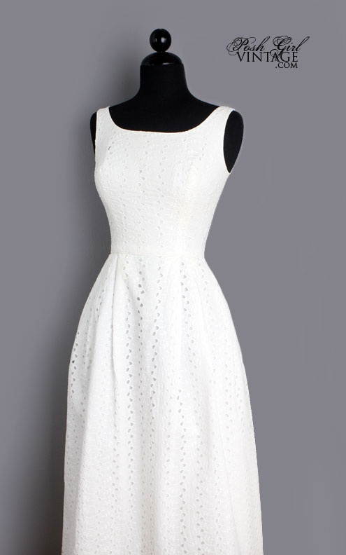 S long white eyelet classic wedding dress m