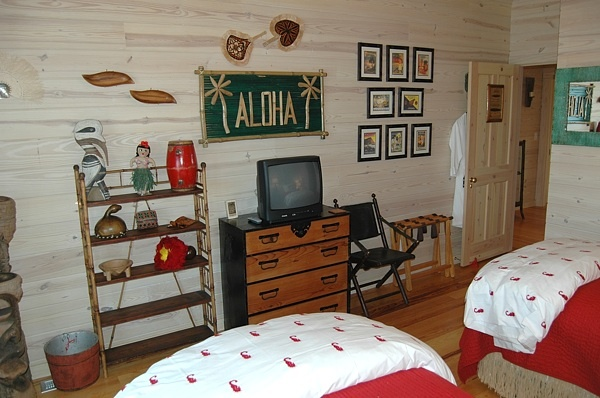 aloha hawaiian tropic themed bedroom boys rooms pinterest