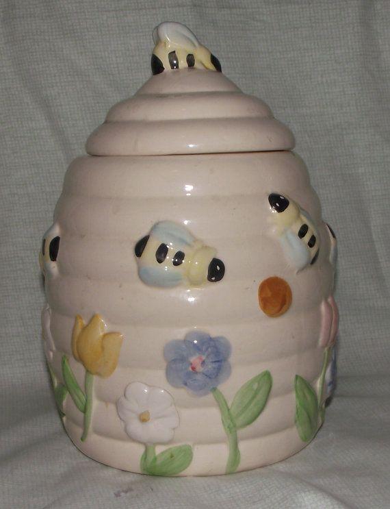 Cookie jar vintage ceramic bee hive cookie jar - Beehive cookie jar ...