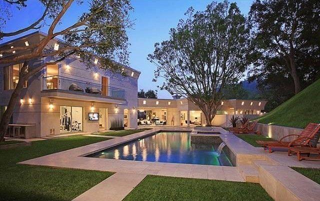 Chelsea handler s crib in bel air la celebrity homes for Frazer crane architect