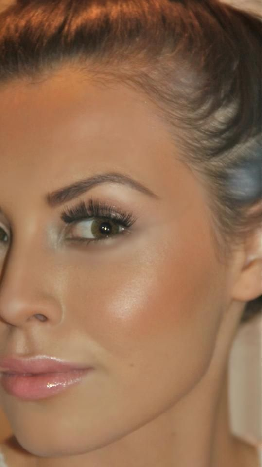 glowing skin, highlight, natural, brown eyes, full lashes, nude lips // gorgeous makeup