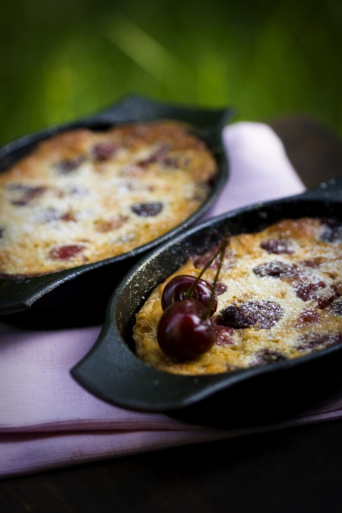 Gluten-Free Clafoutis....I've made these they are good! Use almond ...