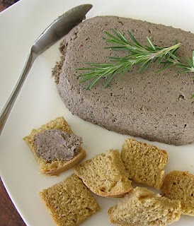 Chicken Liver Pâté (for pregnant ladies :) (Adapted from Nourishing Traditions)