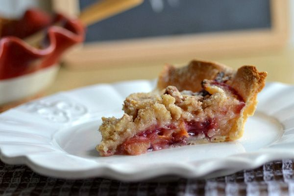 Plum pie with crumb topping I just tried it today and it was sooo ...